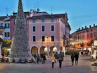 Video z vánočního Desenzano del Garda (Itálie)