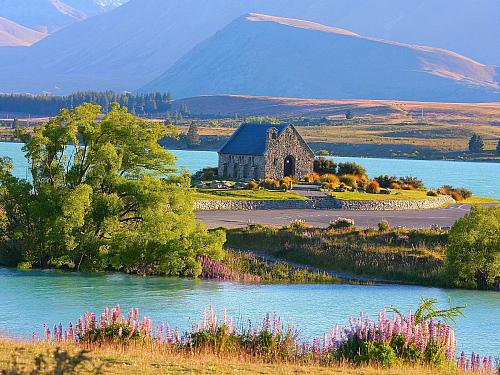Nový Zéland láká turisty vůní dálek i zelenými pláněmi (Nový Zéland)