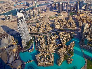 Fenomén uprostřed pouště, který se majestátně vyjímá i na mořské hladině. To je Dubaj – perla Spojených arabských emirátů, město skvostných architektonických projektů a luxusu všude tam, kam se podíváte. Město budované scílem ohromit svým bohatstvím a moderní architekturou celý svět. Záměr,...