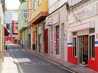 Telde je neturistické městečko na Gran Canaria (Španělsko)