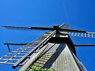 Saaremaa je estonský ostrov plný zeleně (Estonsko)