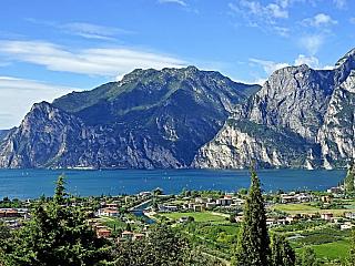 Lago di Garda nabídne plnými doušky středomořské klima a pohodu (Itálie)