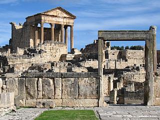 Dougga – pozůstatky římského přepychu (Tunisko)
