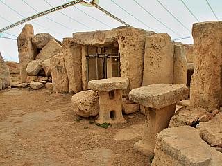 Fotogalerie megalitického chrámu Hagar Qim na Maltě (Malta)