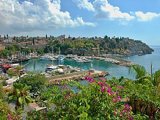 Antalya je oblíbené turecké letovisko (Turecko)