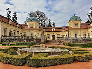 Barokní krása na jihu Moravy, to je zámek Buchlovice (Česká republika)