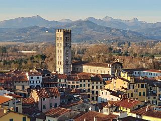 Romantické toskánské město Lucca (Itálie)