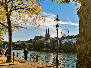 Basilej je švýcarské město na Rýnu (Švýcarsko)