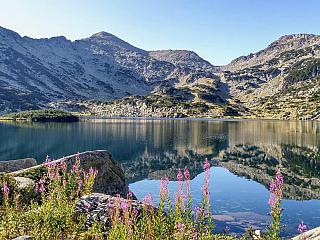Bansko je oblíbeným lyžařským centrem Bulharska (Bulharsko)