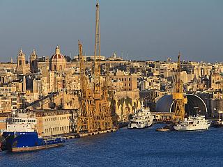 Grand Harbour je největším přístavem Malty (Malta)