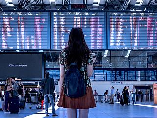 Když se cesta letadlem komplikuje zpožděným letem (Reklamní sdělení)