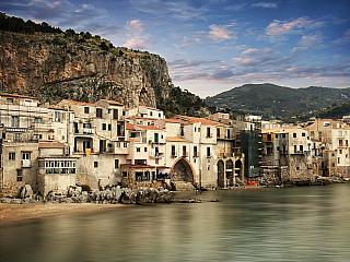 Kouzelné město Cefalù na Sicílii (Itálie)