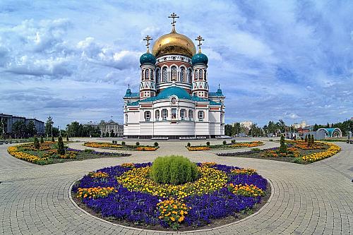 Zpočátku jen malá vesnička, dnes jedno znejvětších měst moderního Ruska. Více než milion obyvatel a poloha více než dva a půl tisíce kilometrů od Moskvy (pojedete čisté dva dny vlakem, pokud tedy nehodláte využít leteckou přepravu) široko daleko samá step. Začátkem osmnáctého století tu stála...