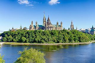 Hlavní městoKanady (i když co do počtu obyvatel vdruhé největší zemi světa zaujímá až pátou příčku) a samozřejmě nejen to! Ontarijský klenot, který má smetropolitní oblastí 1,3 milionu obyvatel, nabídne i speciální pohled na kanadskou historii. Někdejší malá vesnice je přitom reálně městem...