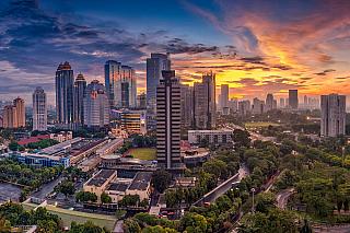 Nejenom že je Jakarta hlavním městem Indonésie, ale je také největším a nejlidnatějším městem vtomto státě. Žije vněm více než 10 milionů lidí, a dalších několik stovek tisíc sem každodenně dojíždí za prací. Výstavba vcelé Jakartě, je podobně jako například vasijském městě Kuala Lumpur,...