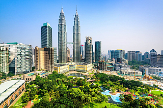 Město Kuala Lumpur je pro Malajsii to stejné, co pro Thajsko Bangkok. Jedná se o hlavní centrum veškerého obchodu vcelé zemi, díky čemuž právě do Kuala Lumpur přijíždějí podnikatelé zcelého světa navázat obchodní kontakty sMalajsií. Přesto, že město samotné má pouze 1,5 milionu obyvatel, tak...