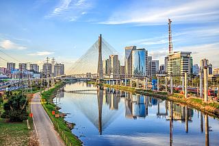 """Brazílie a její známé město Sao Paulo se může pyšnit hned několika """"nej"""". Na rozdíl od brazilských měst Brasília či Rio de Janeiro je Sao Paulo nejenom nejbohatší a největší město zcelé Brazílie, ale je také to nejlidnatější. Právě díky tomu je cílem cestování mnoha turistů zcelého světa. Je..."""