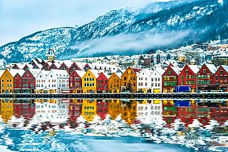 Ačkoliv Bergen patří mezi jedno znejvětších měst, které Norsko má, rozhodně se svou velikostí nemůže rovnat městu Oslo, či naopak ruskému velkoměstu kterým je Moskva. Bergen se nachází na mořském pobřeží, což vminulosti byla výborná poloha pro zřízení přístavu, kterým by bylo distribuováno...
