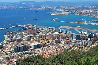 Pokud do těchto míst zavítáte, tak rázem zjistíte, že jako Gibraltar se nazývá oblast zobou stran tohoto světoznámého průlivu. Ačkoliv fyzicky patří ke Španělsku, ovládá toto území Velká Británie, a to i přesto, že se vminulosti rozhodovalo o připojení právě ke Španělsku. Gibraltar však není...