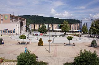 Pokud přijedete do Prešovského kraje, potom si určitě vyčleňte dostatek času na to, abyste mohli navštívit i město Snina, které najdete nedaleko hranic se samotnou Ukrajinou. Pokud je vaším cílem i dovolená vtéto oblasti, potom je to zcela určitě velmi dobrá volba. Pojďme se tedy společně...