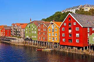 Celé Norsko je známo především svou velmi unikátní architekturou. Výjimkou rozhodně není ani město Trondheim, které je poměrně známým městem, a tak je i vyhledávaným cílem mnoha turistů. Vzhledem ke své bohaté a zajímavé architektuře se ani není čemu divit. Tou hlavní památkou, kterou Trondheim...