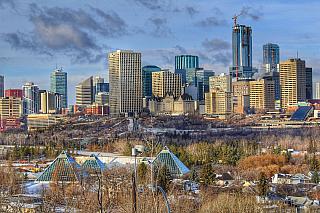 Jak tady mrzne, se snad ani nedá slovy popsat! Pokud vysloveně nemáte rádi hokej, snad vás zaujme alespoň několik místních zajímavých budov. Hlavní město kanadské provincie Alberta leží opravdu hodně na severu, žije tu asi milion obyvatel a věčný rival zCalgary je o tři sta kilometrů jižněji....