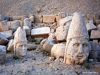 Nemrut Dagi – bohové zapomenutého krále (Turecko)