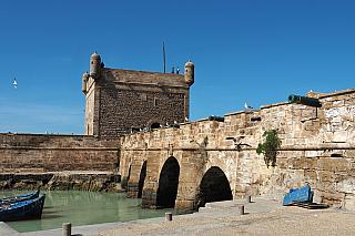 Návštěva Maroka nemusí znamenat pouze bývalé královské město Marakkéš, které patří k nejčastějším cílům turistů, například pro své velké náměstí Jamaa el Fna nebo nedalekou botanickou zahradu Menara Gardens. Proč nenavštívit třeba přístavní město Essaouira, které mělo v minulosti silný obchodní...