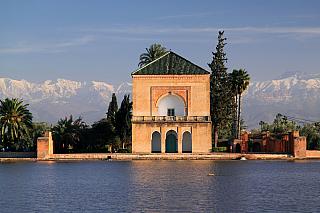 Menara Gardens je komplex botanických zahrad, nacházející se západně od bývalého královského městaMarrákeš v Maroku. Z Menara Gardens je přímý výhled na pohoří Atlas. Nádherná přírodní scenérie spolu s historickým komplexem budov a zahrad vytváří nádherný pohled a oblíbenou destinaci pro...