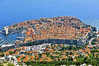 Chystáte se do Chorvatska na dovolenou? Mnozí lidé mají zájezdy koupené už nyní, jiní čekají na možnost využít last minute zájezdy, které jsou často výhodnější a svou cenou atraktivnější. Pokud ještě váháte nad tím, do jakého města se konkrétně vydáte, doporučujeme krásný Dubrovník, jelikož se...