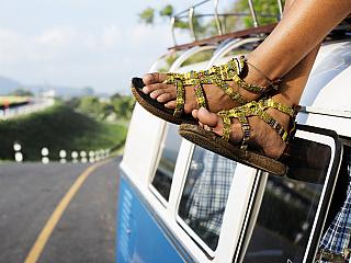 7 nezbytností při letním cestování (Reklamní sdělení)
