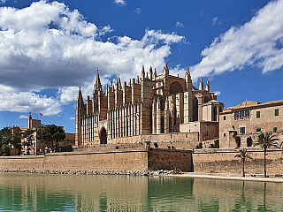 Mallorca je největším ostrovem Baleár (Španělsko)