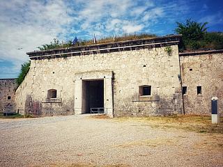 Pevnosť Monoštor je najväčšou v strednej Európe, čakajú vás tajné chodby a zákutia (Maďarsko)