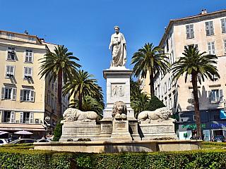 Památník Napoleona Bonaparte v rodném městě Ajaccio (Korsika - Francie)
