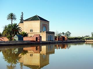 Zahrady Menara Gardens v Marrákeši (Maroko)