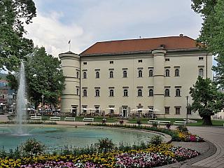 Spittal an der Drau je výspou západu Korutan, co tu na nás čeká? (Rakousko)