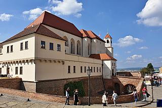 Je tu už sedm století a jeho interiér patří knejvyhledávanějším nejen na Moravě, ale vcelém středoevropském prostoru. Špilberk byl kdysi pevností, dnes tu najdete muzeum a rozhlednu, protože podívat se na Brno zptačí perspektivy určitě stojí za to! Trochu zgotiky a něco zbaroka, místní...