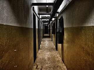 Chodby podzemného krytu v Alekšinciach (Slovensko)