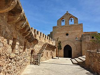 Fotogalerie města a hradu Capdepera na Mallorce (Španělsko)