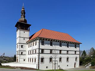 Zámek Stará ves nad Ondřejnicí a jeho pestré okolí (Česká republika)