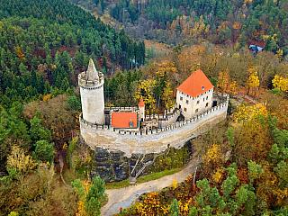 Hrad Kokořín je jedním z nejoblíbenějších českých hradů (Česká republika)