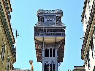 Portugalský Lisabon je nádherné město, nejzápadnější evropská metropole ležící přímo na břehu Atlantiku. Perlu na řece Tejo (která se právě na území města vlévá do moře) obývá zhruba milion obyvatel a další dva miliony jsou rozesety po okolních aglomeracích. Až budete plánovat dovolenou na...