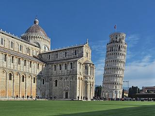 Video z Náměstí zázraků se Šikmou věží v Pise (Itálie)