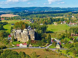 Hrad Sloup nedaleko České Lípy aneb skalní hrad a poustevna v jednom (Česká republika)