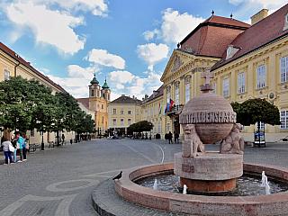 Malebné maďarské městečko Székesfehérvár na vás dýchne historií (Maďarsko)