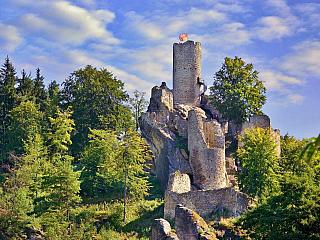 Hrad Frýdštejn je perlou Liberecka (Česká republika)