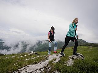 Užijte si letní výšlap v horách bez puchýřů a drkotajících zubů. Jak se připravit? (Reklamní sdělení)
