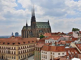 Katedrála svatého Petra a Pavla je jednou z dominant Brna (Česká republika)