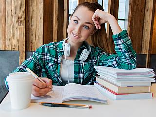 Učení se novým jazykům rozvíjí ducha, domluvte se na dovolené! (Reklamní sdělení)