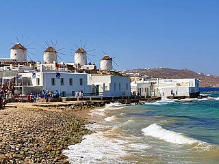 Mykonos je ostrov oblíbenými nejen řeckými turisty (Řecko)